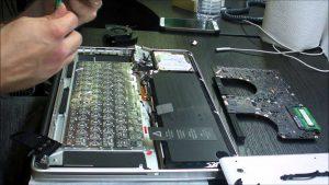 замена клавиатуры макбук в киеве